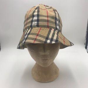 Fantastic Reversible Nova Check Burberry Hat!
